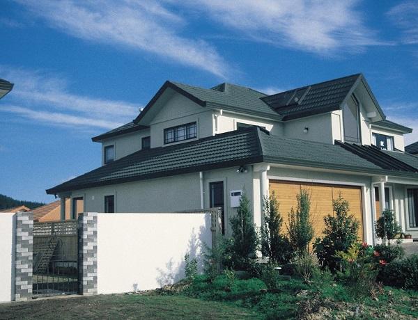 moderne enobarvne fasade