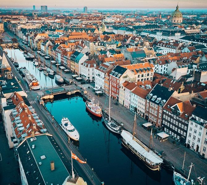 Glavno mesto Danske je Kopenhagen